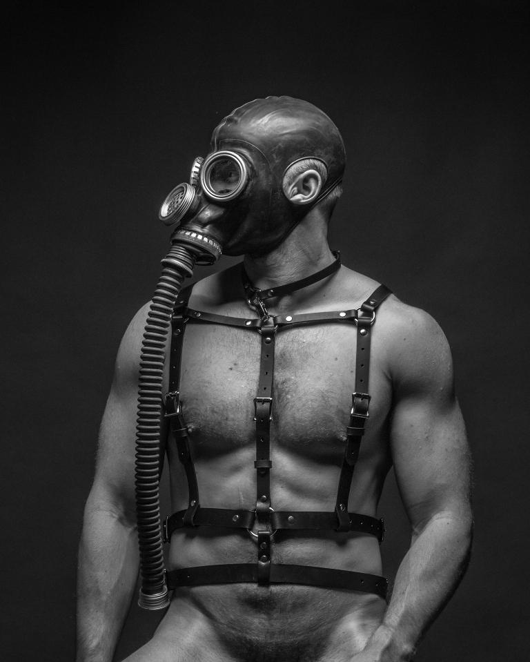 masked-sub2_8x10_coit
