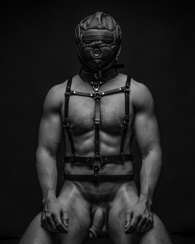 masked-sub_8x10_coit